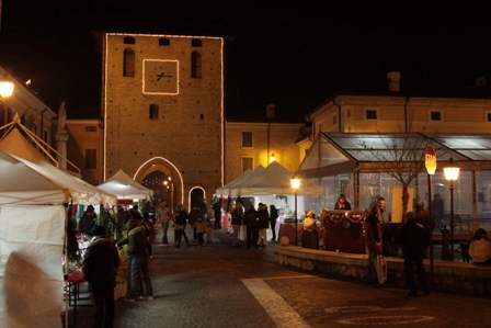 Compagnia delle torri la compagnia for Gonzaga mercatino